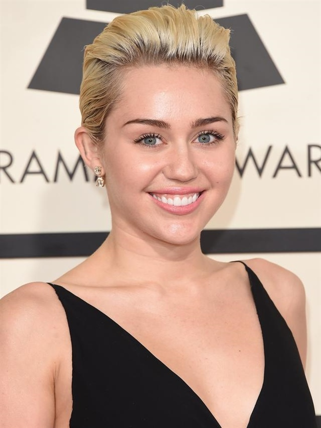 Blonde Hairstyles for Round Faces Short Hair
