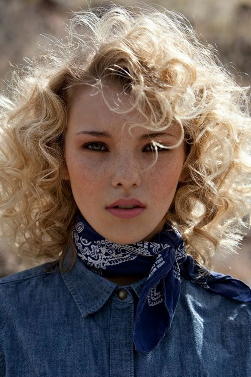 Mid-Long Curly Hairstyles for Blondes