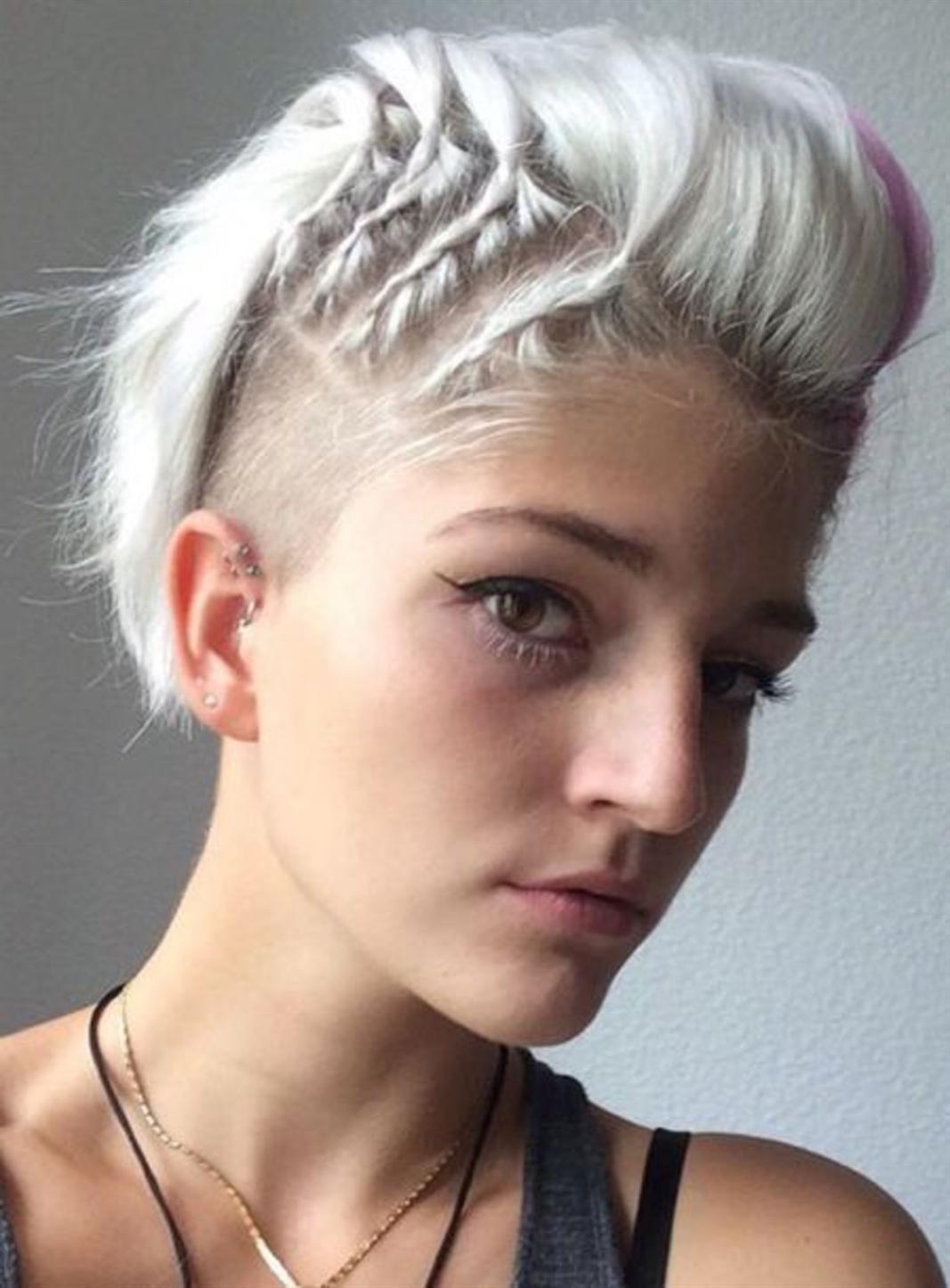 Short Trendy Hairstyles 2021